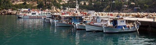 palaiokastritsa-harbour-greece-corfu-yacht-boats